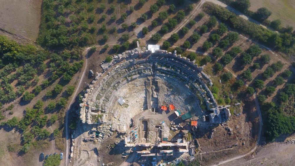 Ήπειρος: ΑΡΧΑΙΑ ΘΕΑΤΡΑ ΗΠΕΙΡΟΥ - Μνημεία και «επιχειρείν», οδηγούν στην ανάπτυξη